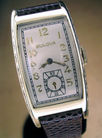 1949 Bulova curved wrist watch yellow gold filled