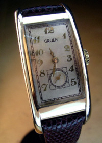 Gruen long curved 1940 yellow gold filled case