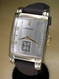 1948 14k solid gold Longines wrist watch
